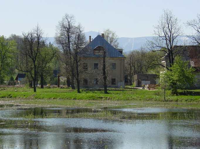 Staniszów - dwór hrabiowski